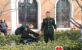 陆军航空兵学院战士来三乐康复老年公寓慰问老人