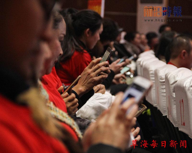 现场观众正在参与现场互动_副本.jpg