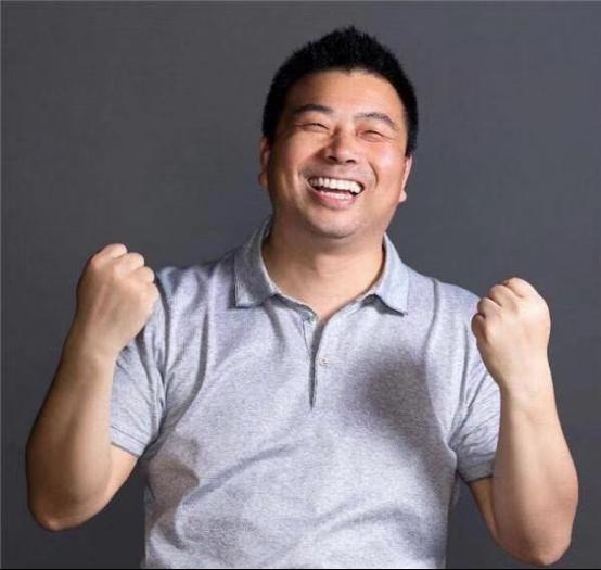 海合龙祥:我眼中的慈善家——朱新红