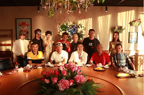 天津辣猫美食音乐餐厅盛大开业各路影视歌明星网红大咖云集助阵